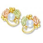 Pearl Earrings - by Landstroms