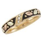 Ladies Wedding Ring - by Landstroms